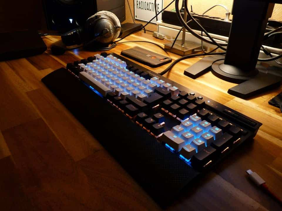 corsair k70 rapidfire mechanical keyboard