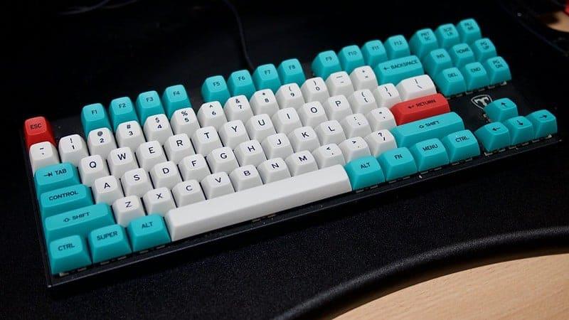MT3 /dev/tty keycaps on a keyboard