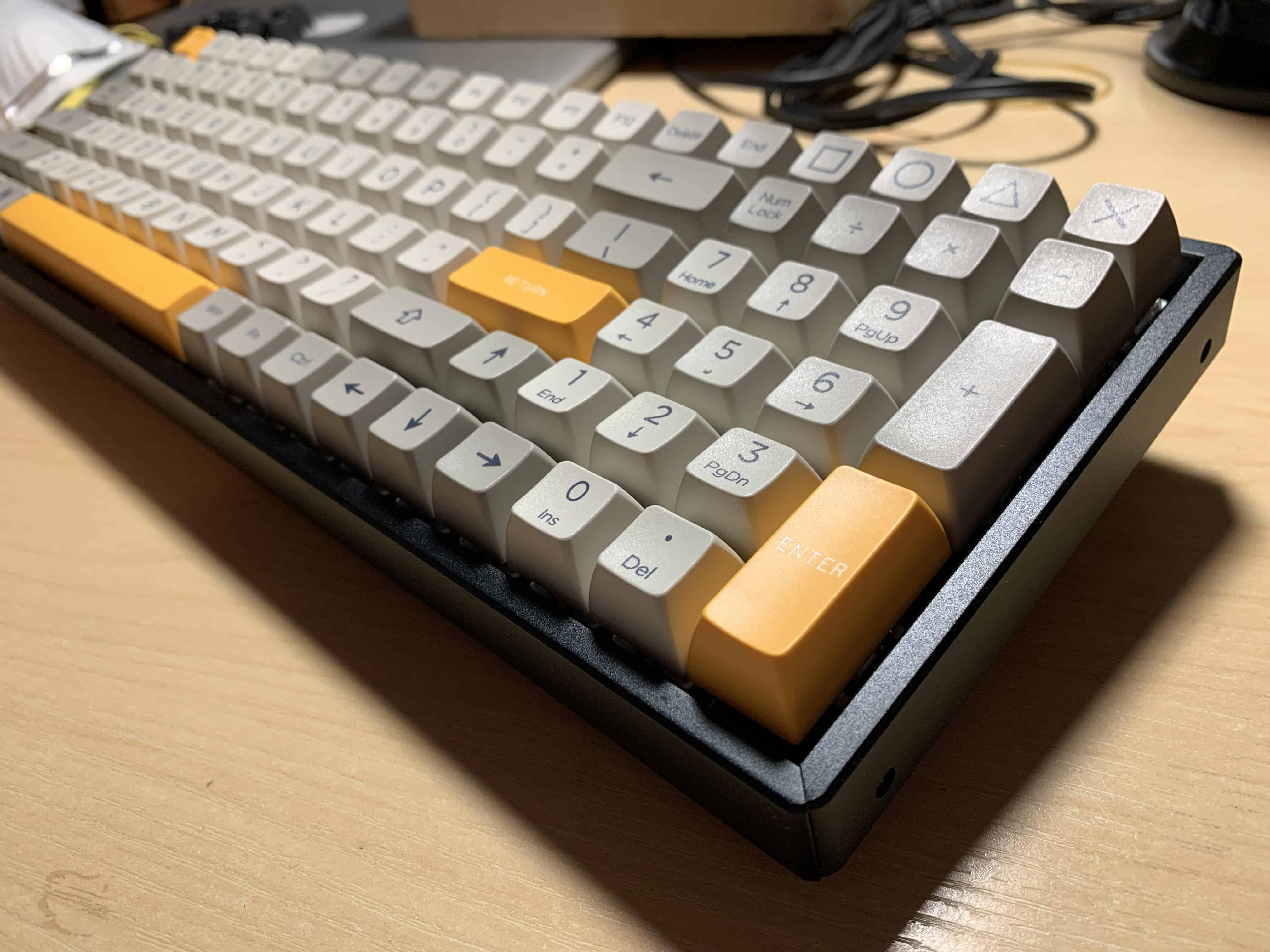 1800 size keyboard with plastic case