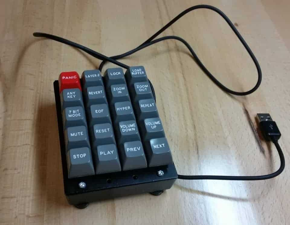 a macro pad with mechanical switches