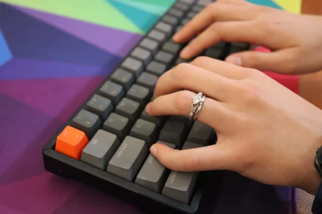 Typing on Keychron K6 Wireless mechanical keyboard