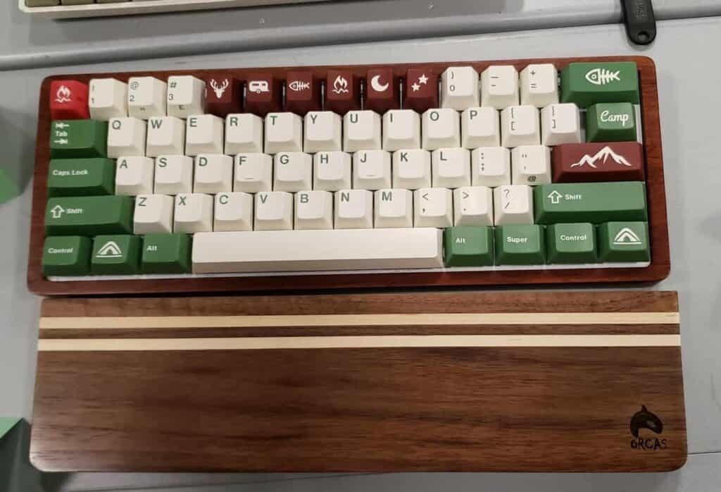 60% keyboard with GMK camping keycap set