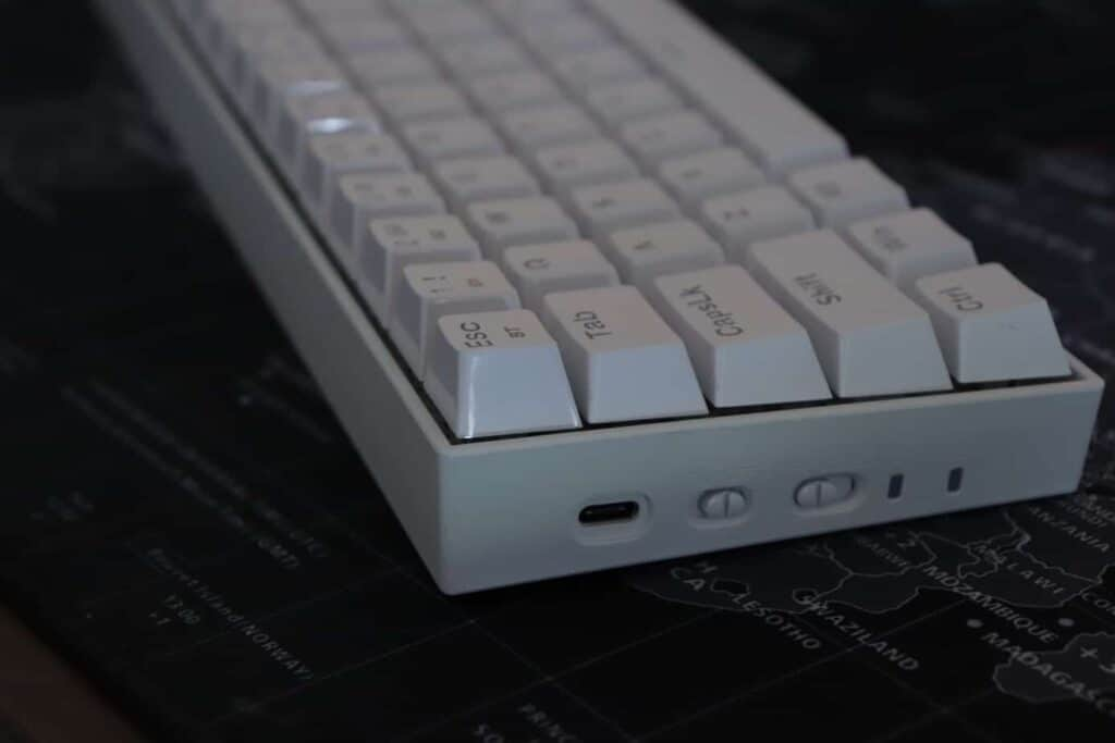 Redragon Draconic K530 buttons and USB-C port