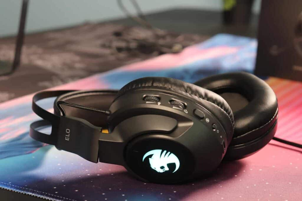 Roccat Elo 7.1 Air Headset sitting on a deskmat