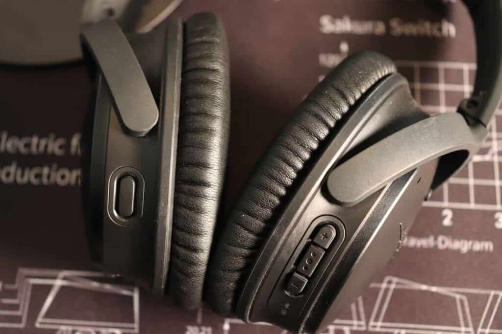 Bose QuietComfort 35 II Close Up