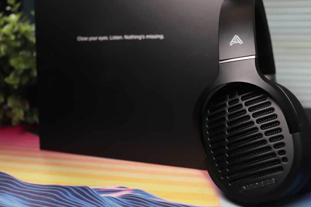 Audeze LCD-1 with box