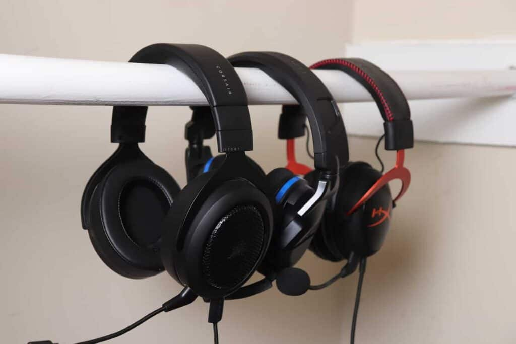 Corsair HS70 BT with other gaming headsets