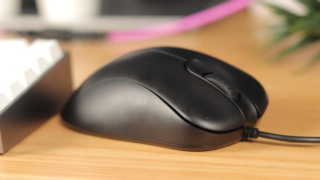 BenQ EC2 next to keyboard