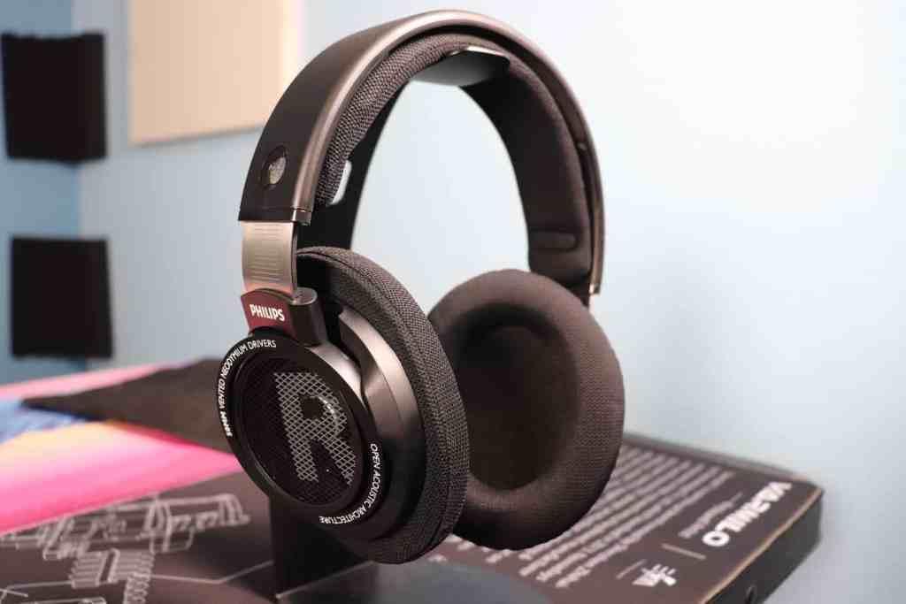Philips SHP9500 headphones on headphone stand