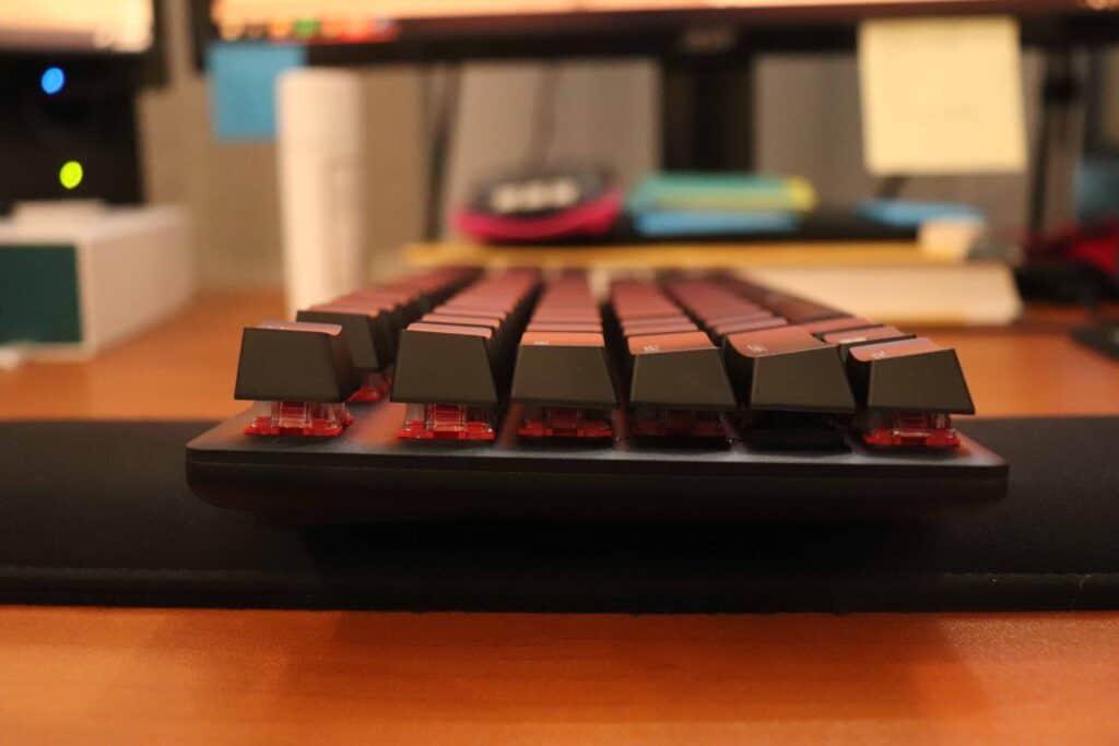 HyperX Alloy Origins Core red tint under keycaps